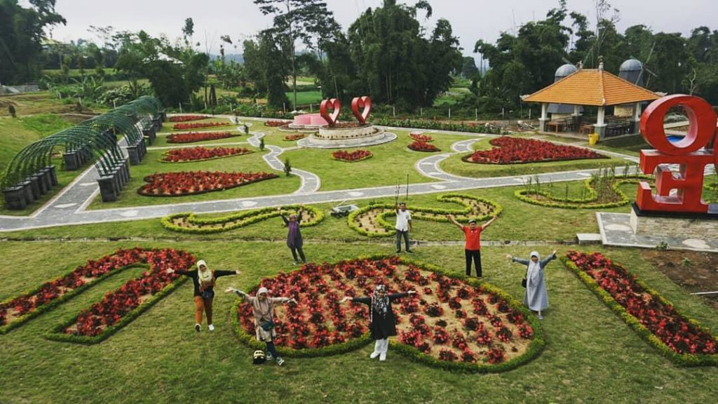 Taman Bunga 'The Bloom Garden'