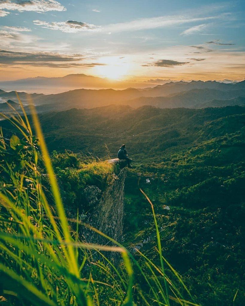 Sunrise dari Pucak Gunung Besek