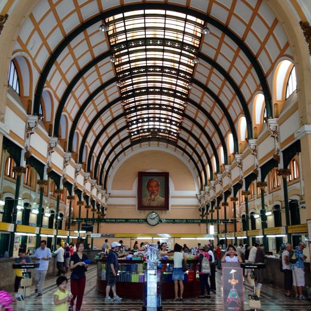 Kantor pos masih aktif beroperasi di Saigon